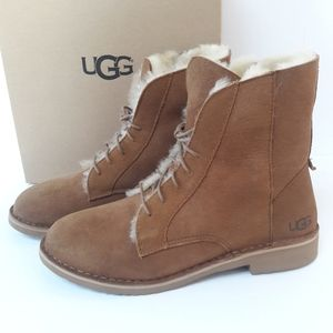 CLEARANCE! New UGG Qincy Boots 10.5